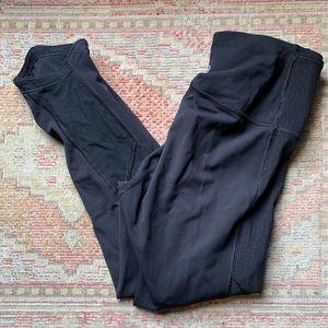 Black lululemon leggings mesh cropped 4 run tights